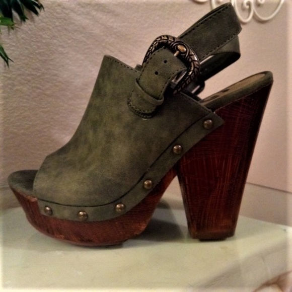 62ee647e9 Guess Shoes - Guess Suede Olive Green peep toe